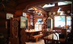 「星のブランコ」に行ったらランチでも紅葉が楽しめる森の中のカフェレストラン「おじいさんの古時計」へ